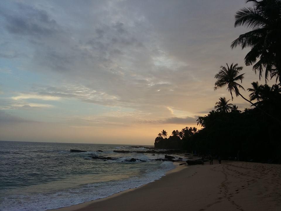 silent beach apus sri lanka